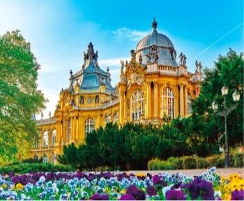 画像:3-4月 ヴァイダニフニャド城(ハンガリー) 世界の名城巡り 2020年カレンダー