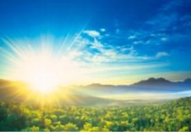 画像:5月 三国峠より(北海道) 輝く太陽 2020年カレンダー