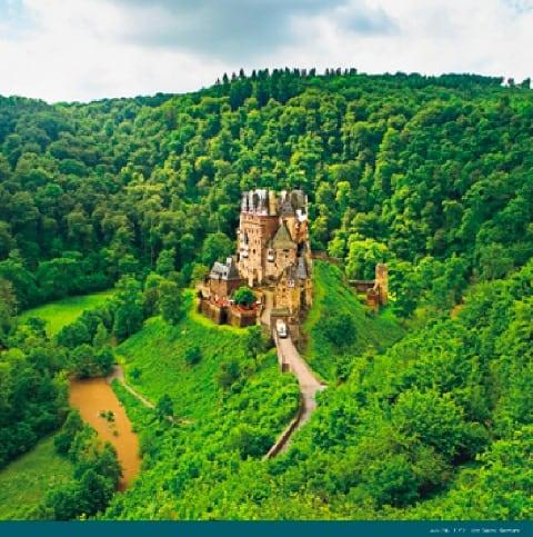 画像:5-6月 エルツ城(ドイツ) 絶景 世界の城(フィルムカレンダー) 2020年カレンダー