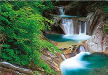 画像:6月 西沢渓谷 七つ釜五段滝(山形) 天地自然・森田敏隆写真集 2020年カレンダー