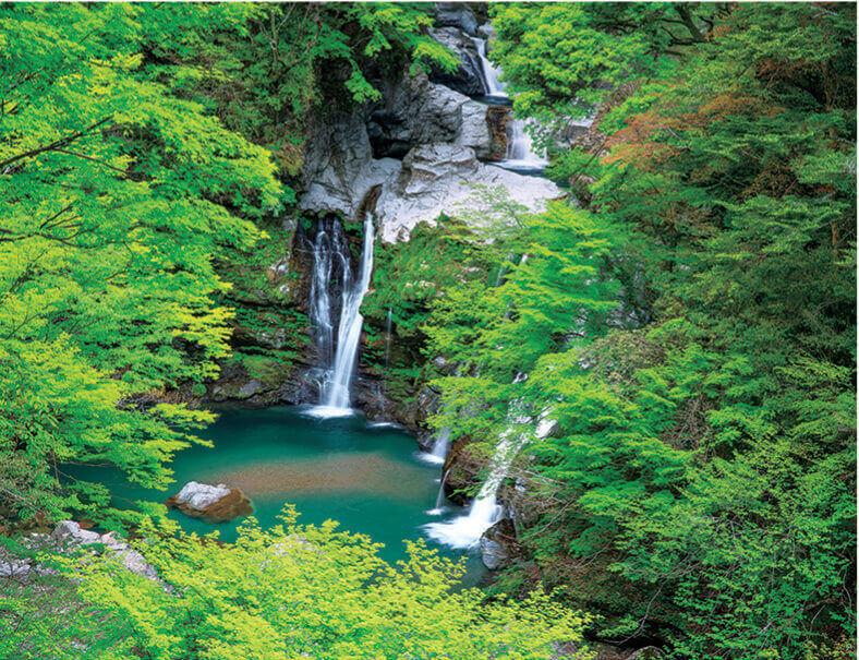 5月 大轟の滝(徳島) ザ・日本 2022年カレンダーの画像
